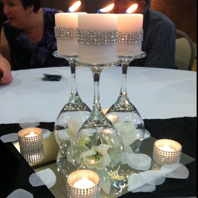 interesting-diy-wine-glass-centerpieces-2